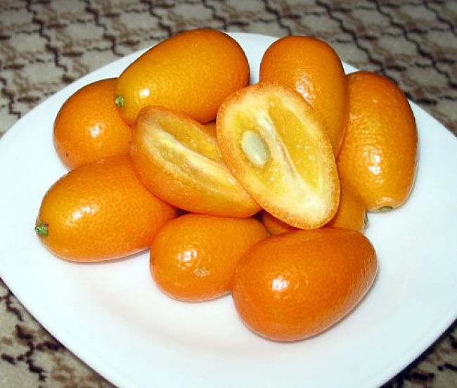 Kumquats are eaten or processed with the skins, which boosts the nutrients because the peel is where most nutrients and fiber is located.